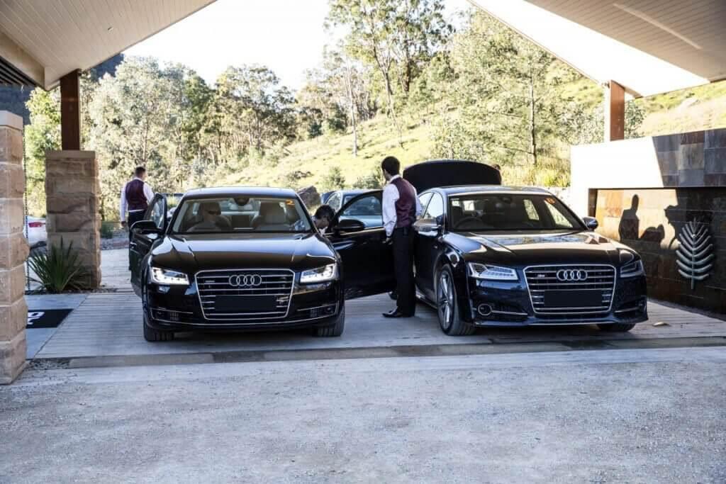 milimo Brisbane limo Car Hire Transfers