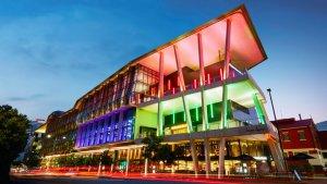 Convention Center milimo Brisbane limo Car Hire Transfers