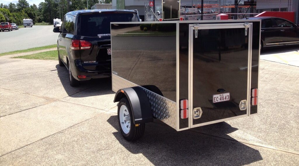 Van & Luggage Trailer milimo Brisbane limo Car Hire Transfers