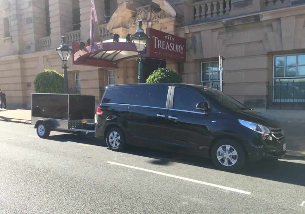 Van and Luggage Trailer milimo Brisbane limo Car Hire Transfers