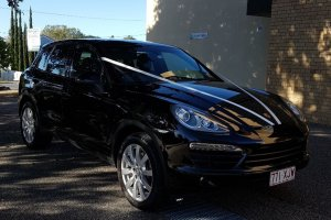 Holy Creoss Catholic Church milimo Brisbane limo Car Hire Transfers